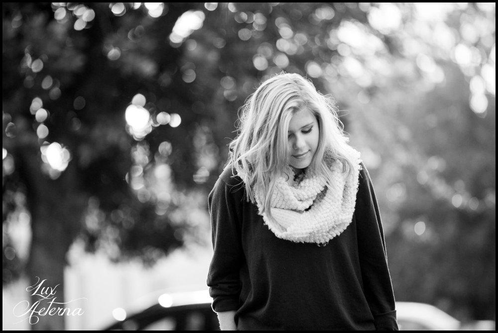 cassia-karin-photography-redlands-ca-blonde-girl-white-sweater-scarf-blue-sweatshirt-red-shorts139.jpg