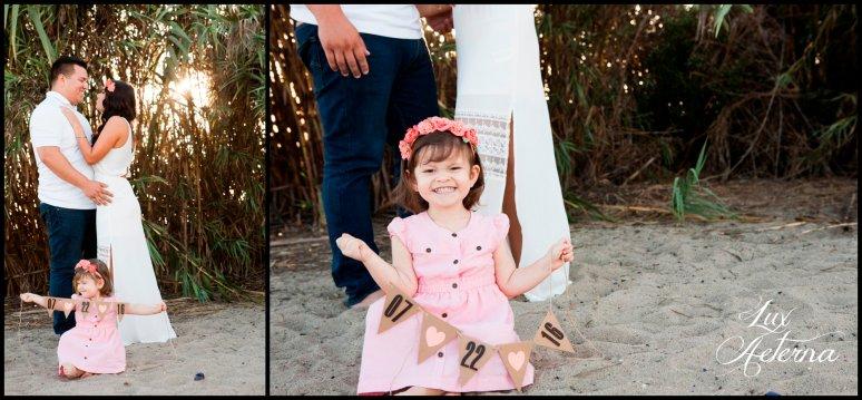 cassia-karin-photography-Engagement-shoot-venture-beach-july-2016-wedding-white-dress-family-print-girl101.jpg