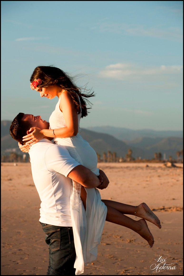 cassia-karin-photography-Engagement-shoot-venture-beach-july-2016-wedding-white-dress-family-print-girl112.jpg