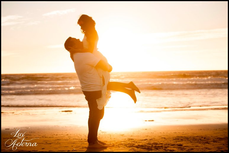 cassia-karin-photography-Engagement-shoot-venture-beach-july-2016-wedding-white-dress-family-print-girl119.jpg