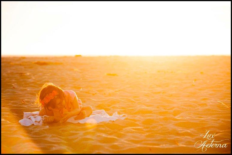 cassia-karin-photography-Engagement-shoot-venture-beach-july-2016-wedding-white-dress-family-print-girl121.jpg