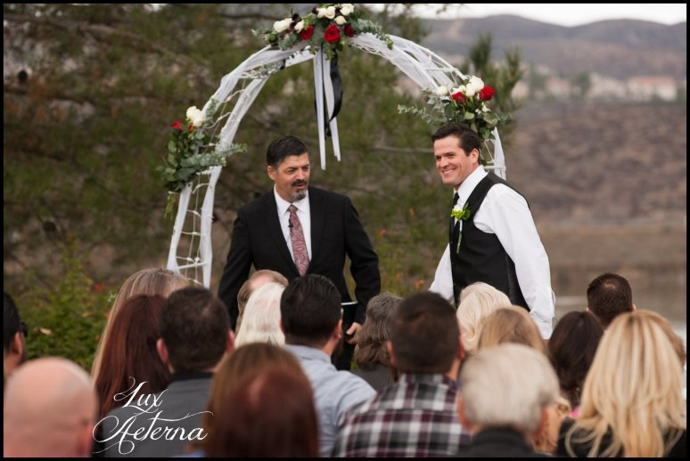 canyon-lake-country-club-wedding-clouds-groom-bride-lake-boat-boey-dock-roses-cassia-karin-lux-aeterna-photography029.jpg