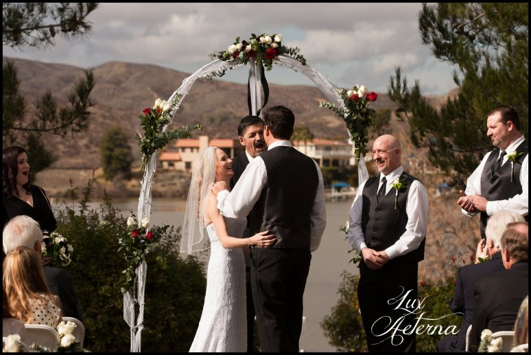 canyon-lake-country-club-wedding-clouds-groom-bride-lake-boat-boey-dock-roses-cassia-karin-lux-aeterna-photography040.jpg