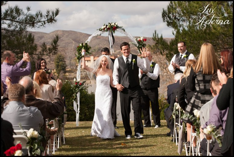 canyon-lake-country-club-wedding-clouds-groom-bride-lake-boat-boey-dock-roses-cassia-karin-lux-aeterna-photography042.jpg