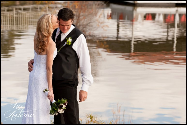 canyon-lake-country-club-wedding-clouds-groom-bride-lake-boat-boey-dock-roses-cassia-karin-lux-aeterna-photography048.jpg