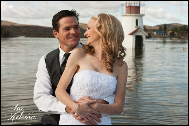 canyon-lake-country-club-wedding-clouds-groom-bride-lake-boat-boey-dock-roses-cassia-karin-lux-aeterna-photography050.jpg