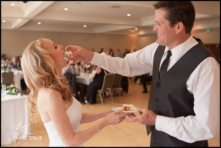 canyon-lake-country-club-wedding-clouds-groom-bride-lake-boat-boey-dock-roses-cassia-karin-lux-aeterna-photography082.jpg