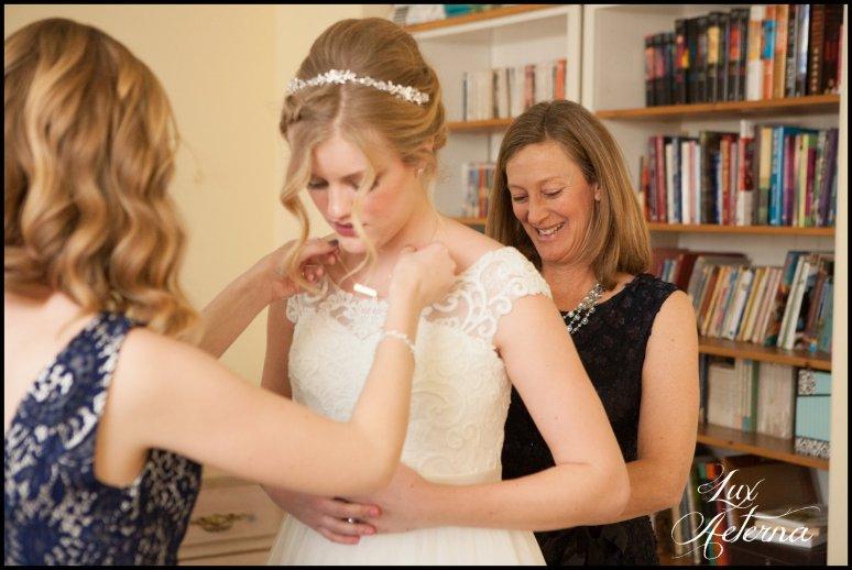 cassia-karin-photograph-tall-bride-short-groom-grace-community-church-sun-valley-california-wedding019.jpg