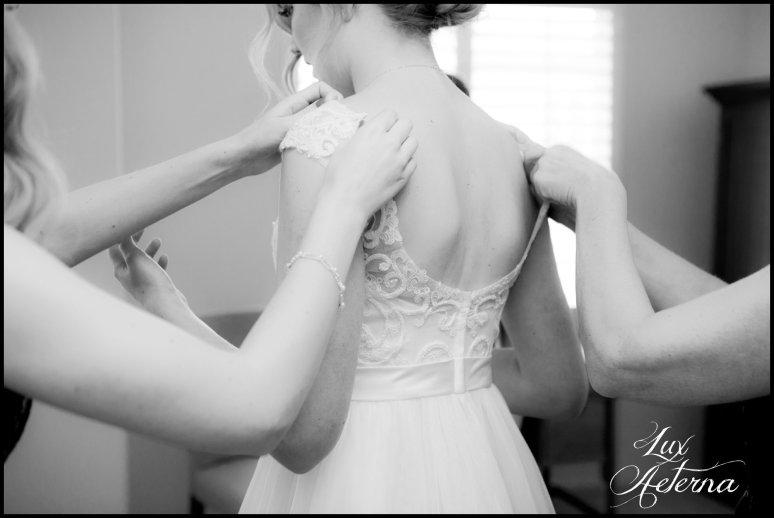 cassia-karin-photograph-tall-bride-short-groom-grace-community-church-sun-valley-california-wedding020.jpg