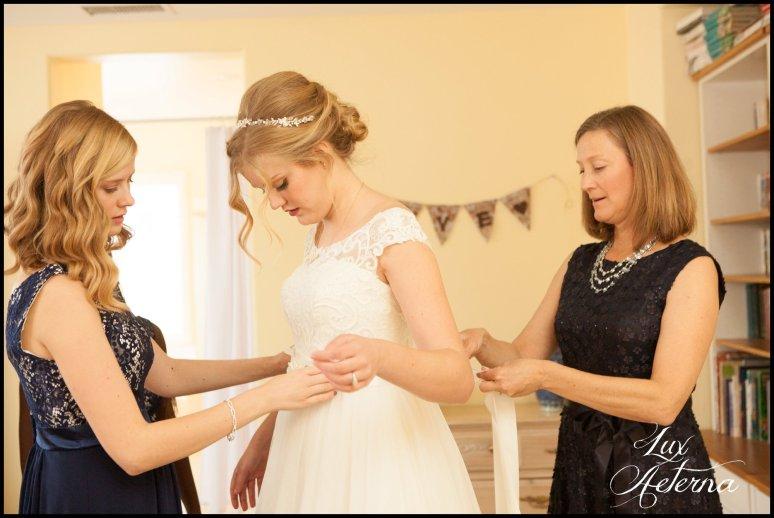 cassia-karin-photograph-tall-bride-short-groom-grace-community-church-sun-valley-california-wedding021.jpg