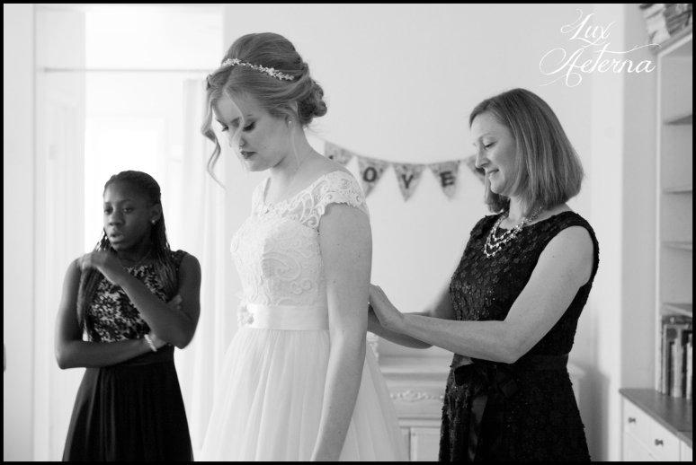 cassia-karin-photograph-tall-bride-short-groom-grace-community-church-sun-valley-california-wedding022.jpg