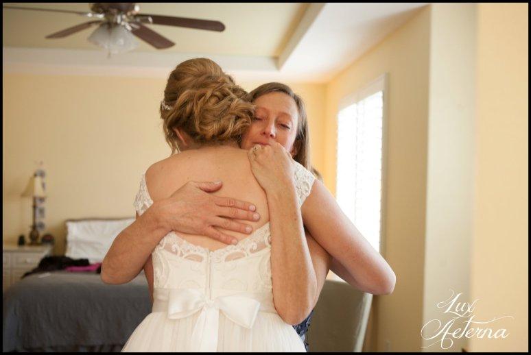 cassia-karin-photograph-tall-bride-short-groom-grace-community-church-sun-valley-california-wedding030.jpg