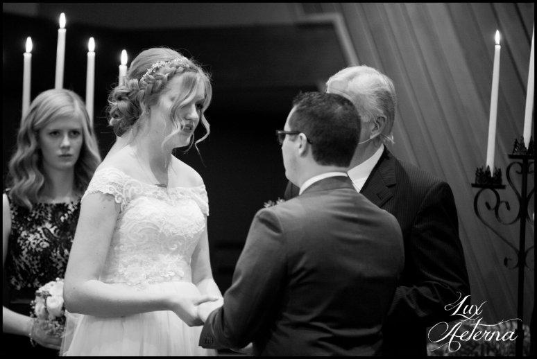 cassia-karin-photograph-tall-bride-short-groom-grace-community-church-sun-valley-california-wedding122.jpg