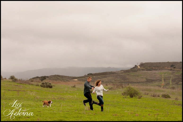 cassia_karin_photography_engagement_shoot_oak_park_simi_valley_dog013.jpg