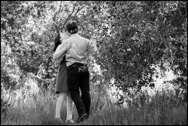 blog_cassia_karin_photography_lux_aeterna_lili_max_engagement_shoot_field_green_picnic_thousand_oaks_southern_california_purple_dress_curls-30.jpg