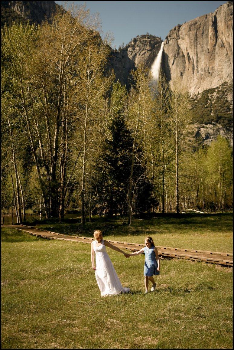 blog_cassia_karin_lux_aeterna_photography_yosemite_national_park_california_wedding_elopement_family_fields_waterfalls_portraits_bride_groom_kids-242.jpg