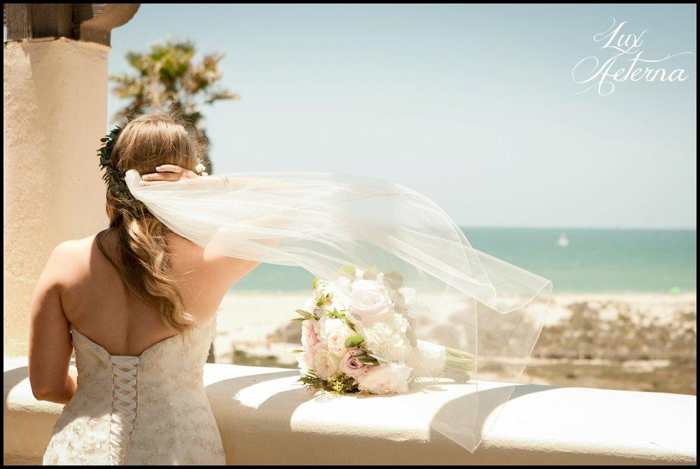 cassia_karin_lux_aeterna_photograph_Ventura_california_bride_vail_wind_beach_mandalay_bay_wind_black_and_white_groom_hillary_cj-141.jpg
