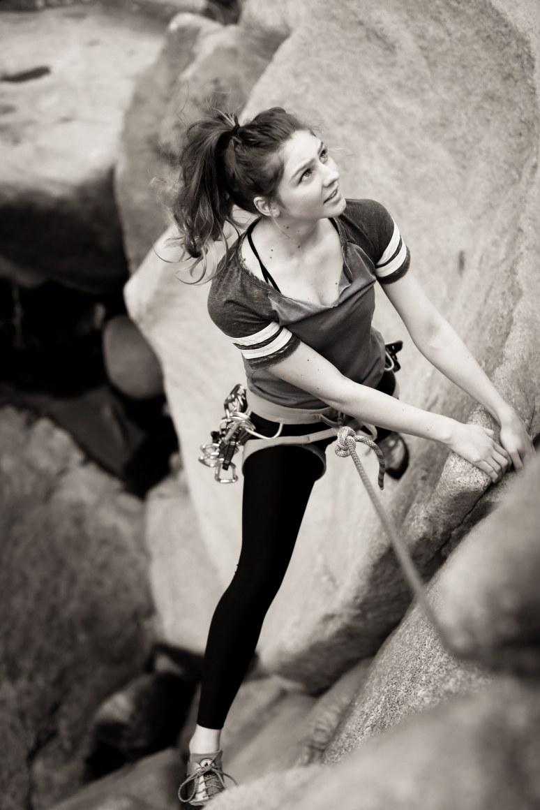 highland_highschool_senior_portraits_bakersfield_ca_kern_river_rock_climbing_tierra_by_cassia_karin_photography_favorites-26