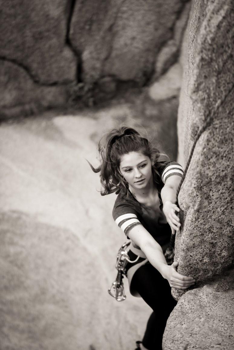 highland_highschool_senior_portraits_bakersfield_ca_kern_river_rock_climbing_tierra_by_cassia_karin_photography_favorites-34